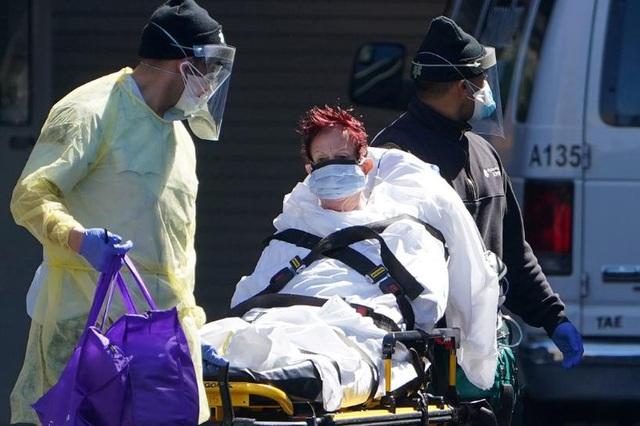 Mỹ: Hơn 42.000 người chết, thị trường dầu mỏ
